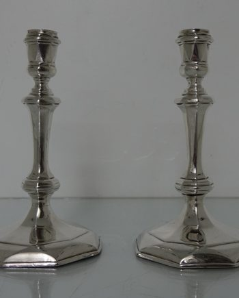 pair candlesticks