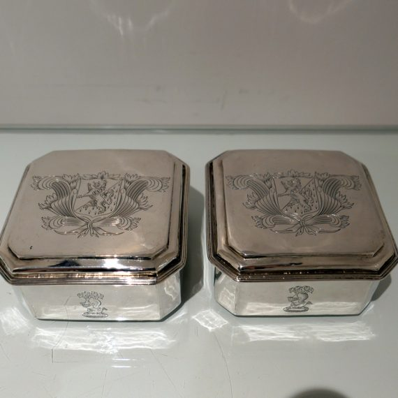 pair toilet boxes